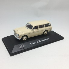 Volvo 220 Amazon Estate